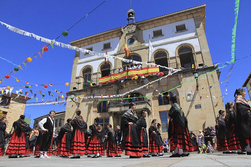Fiestas Folklore Covaleda Ayuntamiento